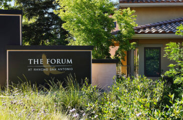The FORUM sign
