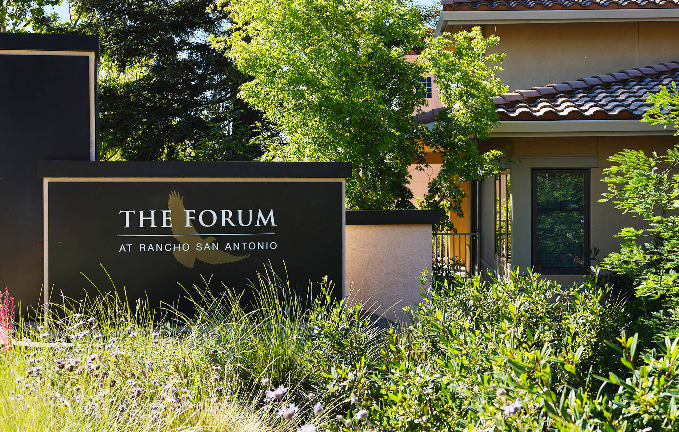 The Forum entrance sign